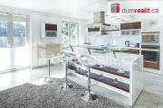 Prodej luxusní vily, 320 m², se zahradou 500 m², dvojgaráž + 3 parkovací stání, Praha 7 - Troja