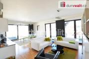 Prodej luxusího mezonetového apartmánu 3+kk 85 m2 , střešní terasa 122 m2, terasa 12 m2 garáž, Praha
