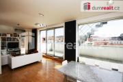 Prodej luxusního mezonetového apartmánu 4+kk, 94 m2, terasa 18 m2, střešní terasa 83 m2, garáž, Prah