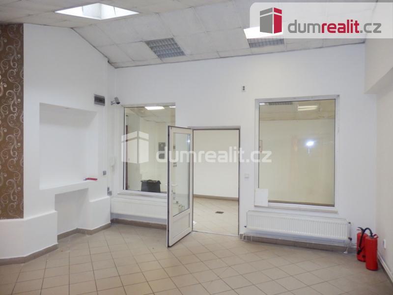 Prodej komerčního objektu, Obchodní prostory, 181